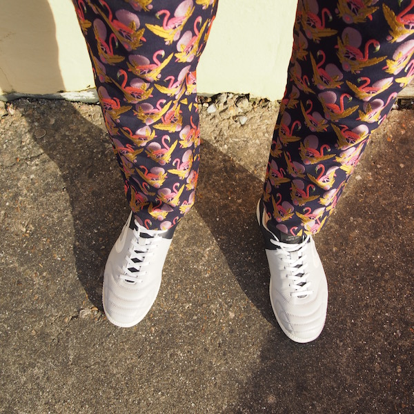 replay trainers flamingo trousers ootd