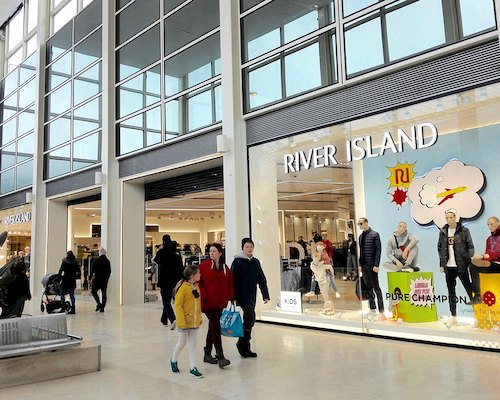 High street retail River Island